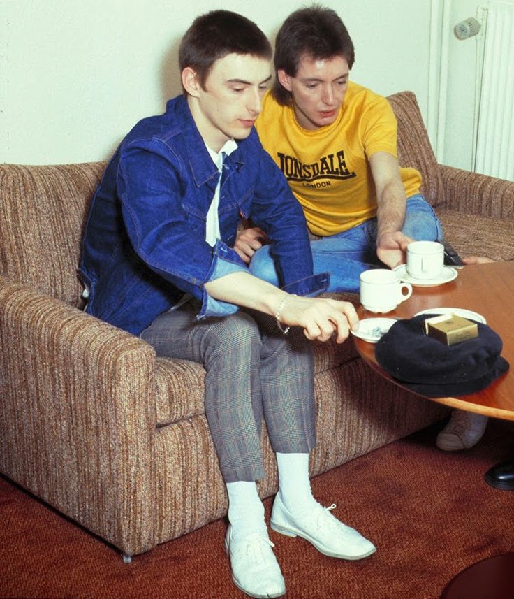 Interview at the Holiday Inn, 1982 Photo by Neil Tinning