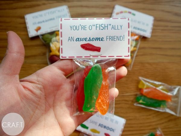 You're o-fish-ally an awesome friend! Free printable valentine!
