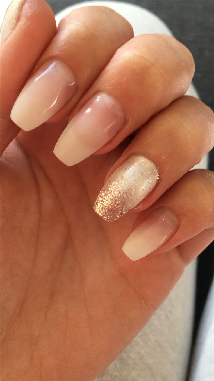 Nageldesign Schlicht Glitzer # Schlicht #french #glitzer @charlyntotzek | Nails In 2019