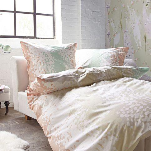 Schlaf gut: in sanften Farbtönen wie Weiß, Rosé, Türkis, Lila und Grau.