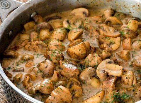 Κοτόπουλο με μανιτάρια σε κρεμώδη σάλτσα άνηθου (Video)