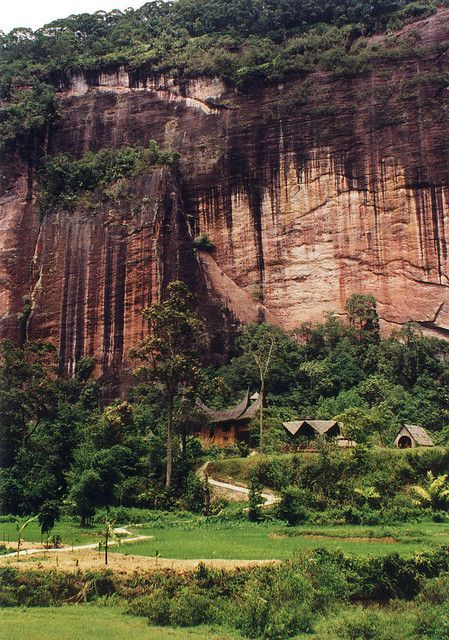 Harau Canyon, West Sumatra, Indonesia by David Johnstone, via Flickr