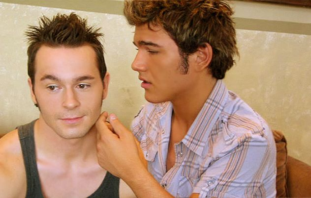 Essential Gay Themed Films To Watch, Eating Out http://gay-themed-films.com/films-to-watch-eating-out/