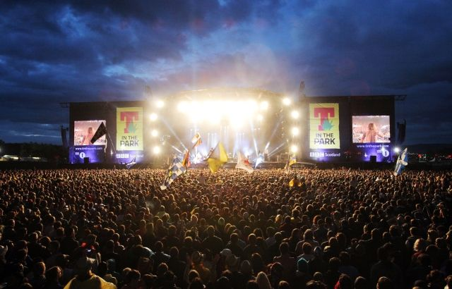 T IN THE PARK - Balado - July 11-14 - £ 82.50-£ 205  This cult festival, constantly growing since 1994,  this year is ready to welcome more than 85 000 visitors. An incredible selection of artists is its greatest asset. All the major names in the British music scene will appear onstage, alongside numerous stars from abroad. Ben Harper, Jake Bugg, CHVRCHES, Katy B are just the beginning, the full list can be found here: www.tinthepark.com