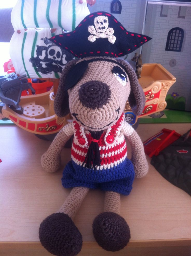 Yo ho ho pirate dog amigurumi