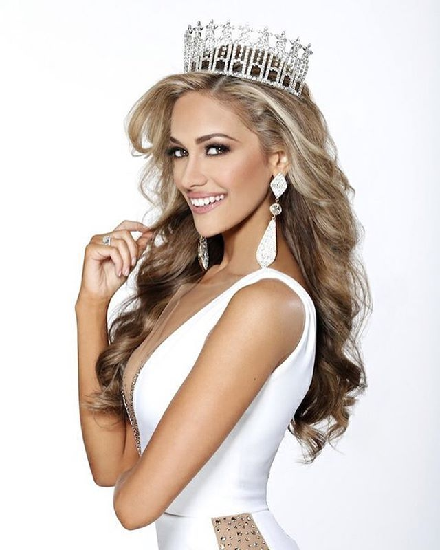 Congratulations to Daniella Rodriguez, Miss Texas USA, for having the opportunity to compete at Miss USA!! You made Texas so proud Photo by: @selectstudios Hair by: @realericvaughn Makeup by: @theperfectface