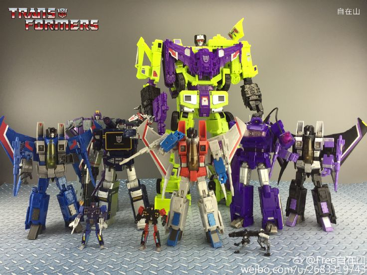 Transformers Masterpiece Thundercracker, DX-9 Chigurh, Masterpiece Soundwave, Laserbeak, Frenzy, Rumble and Ravaage, MP-11 Starscream, Generations Devastator, Fans Toys FT-03 Quakewave and Transformers Masterpiece MP-11SW Skywarp