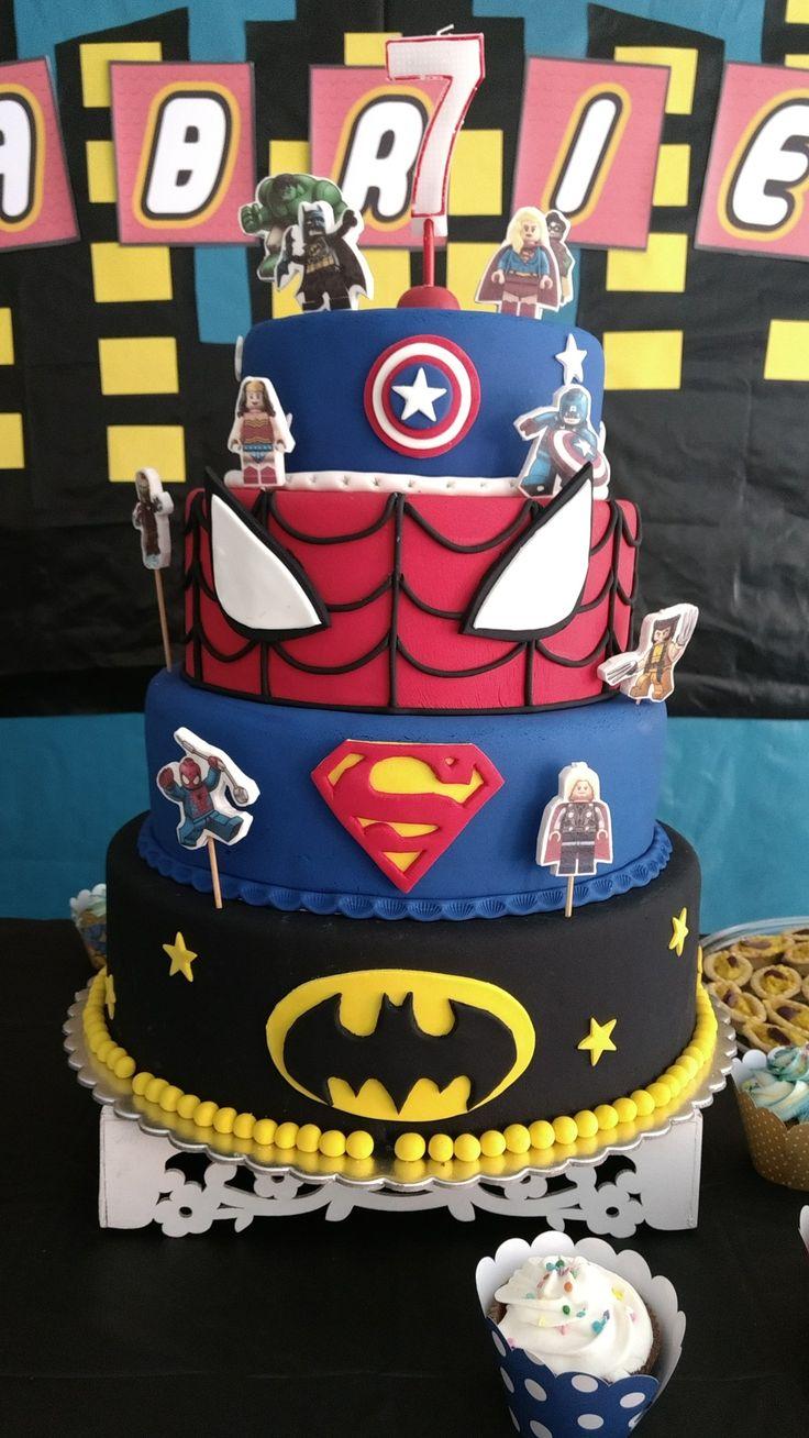Torta Lego Superheroes para los 7 años de mi niño.
