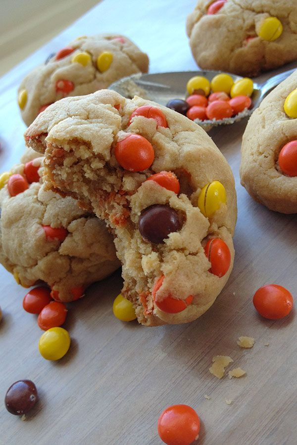 The most PERFECT Reese Peanut Butter Cookies! The really are perfect, especially for my fellow Reeseaholics out there...you know who you are :) #reeses #Reesecookies #reesespieces