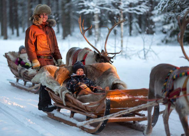 Un tour de renne au Village du Père Noël à Rovaniemi en Laponie en Finlande