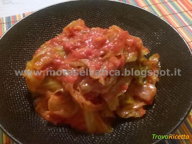 STRACCI DI CAVOLO CAPPUCCIO ALLA PIZZAIOLA  #ricette #food #recipes