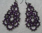 Boucles d'oreille violet et gris en dentelle de frivolite , Boucles d'oreille dentelle violet , Boucles d'oreille faite main : Boucles d'oreille par carmentatting