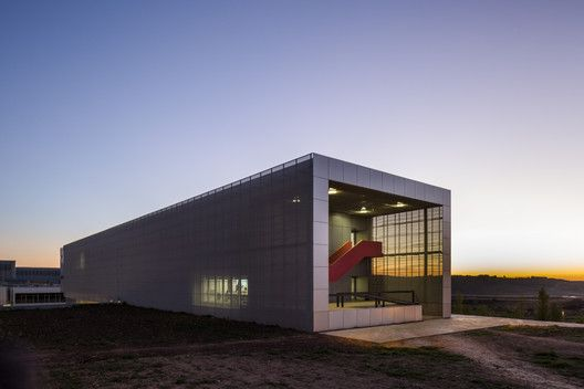 Classrooms in Linares Science and Technology Campus / García Torrente Arquitectos
