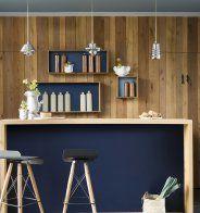Un pan de mur d'un bleu profond - Marie Claire Maison