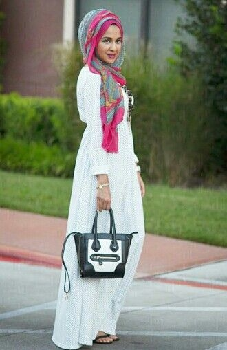 This is nice, if u wanna wear a crazy scarf, keep the clothing neutral