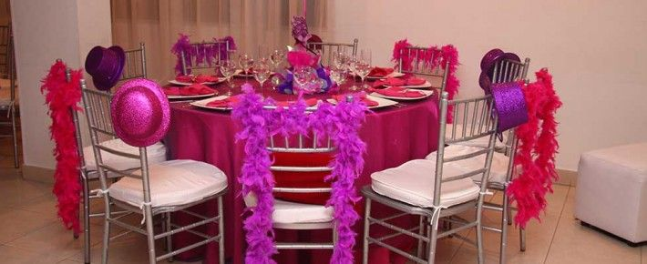 Decoraci n de la mesa de los invitados para fiesta con - Decoracion de carnaval ...