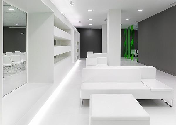 White Client Seating - by Jose Jorge Santos Ogando + Angel Cid Carballo
