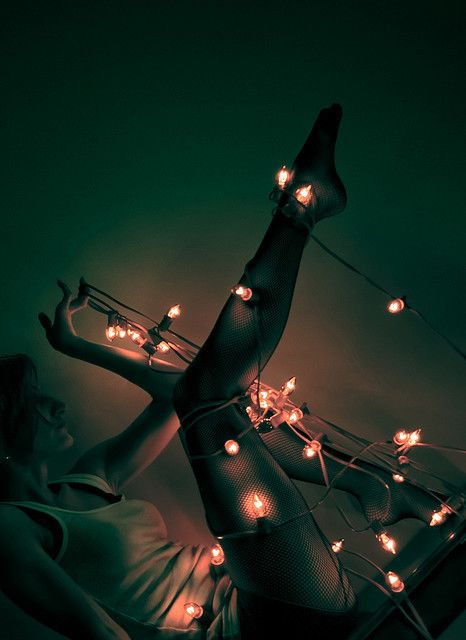 17 Best images about Things Wrapped in Christmas Lights on Pinterest Bokeh photography, Card ...