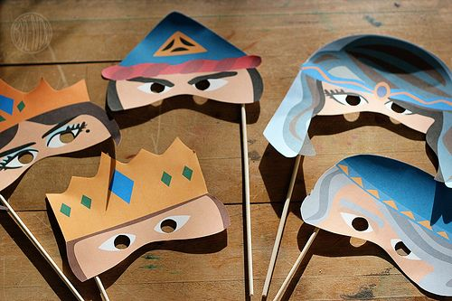 Printable Purim Masks for Kids - this would be a great class participantion for story time!!!!