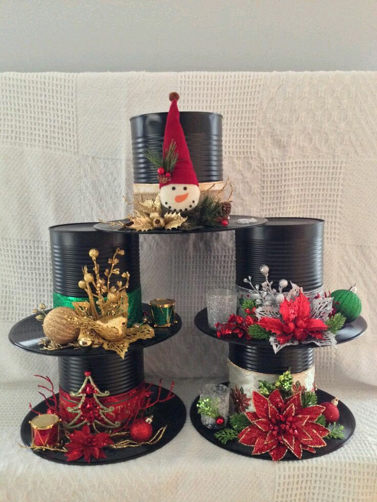 Mira todos los hermosos adornos navideños que puedes hacer usando simples latas de cualquier tamaño. Puedes pintarlas (usa pintura en spray...