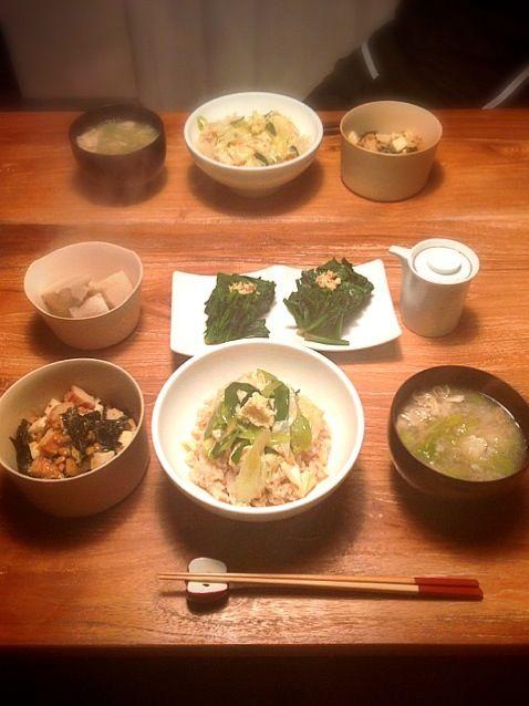湯葉がたくさんあったから。 海老芋っておいしいー!里芋とは別物だ! - 11件のもぐもぐ - 湯葉丼、湯葉のお吸い物、海老芋の煮物、山芋と納豆の韓国海苔和え、ほうれん草のおひたし by saricoro