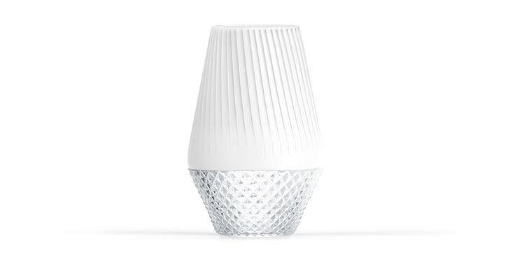 OSA - a concept by STUDIOFORMA DESIGNLAB  #SFDesignlab #Vase #Object #Origami #Crystal #Homewear #Luxury #Craftmanship #InteriorDecor #InteriorDesign #Interior #Design #Furniture #Objects #ElleDecor #CasaVogue #Idea #Inspire #HomeInspiration #Decor #Art #Homedecor #Inspiration #Style