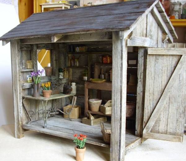 Mini garden shed for doll house miniatures for Mini potting shed