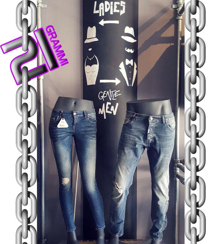 Jeans Made in Italy!  Vieni a provarli in negozio e innamorati come noi dei loro dettagli.. Solo fino a Sabato 20 Gennaio Sconto del -30%  #21Grammi #Man #Woman #creailtuolook #outfit #Jeans #weliveinblack #alternative #pomezia #moda #Absolutjoy #SexyWoman #abbigliamento #vestitidellanima #rock #urbanstyle #madeinitaly #rocklove #21grammilife