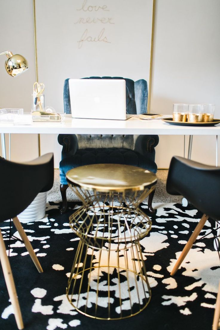 Jennifer Harrup's Houston, Texas Home Office Tour #theeverygirl