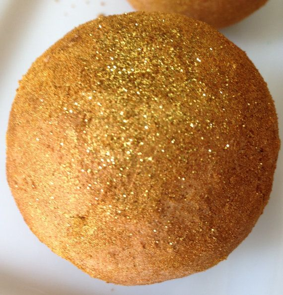 Golden Chardonnay Bath Bomb/Gold Glitter by StefaniaValentiiBath