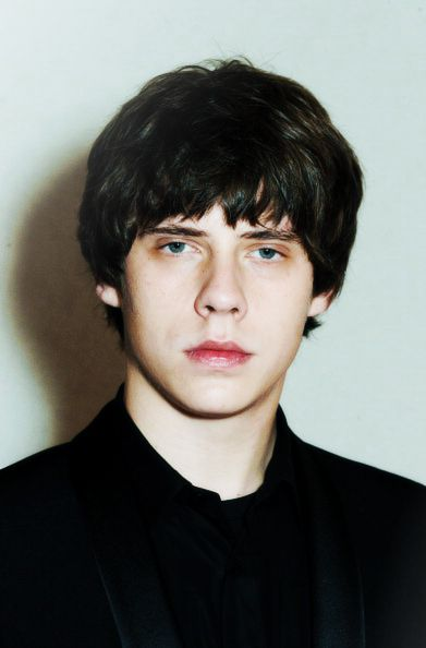 Happy birthday jake bugg, he turned 20 today hope you have an amazing day :)