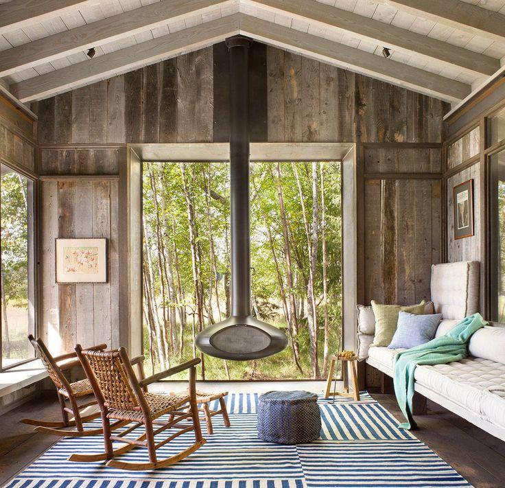 North shore Rustic Cabin - screened in porch.