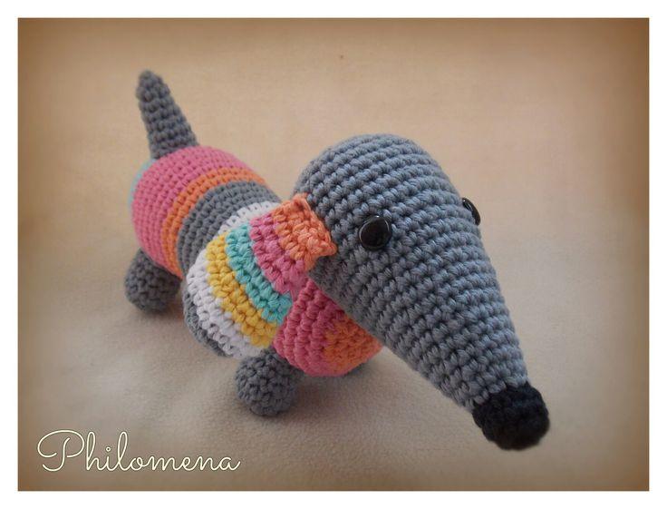Perro salchicha by Philomena
