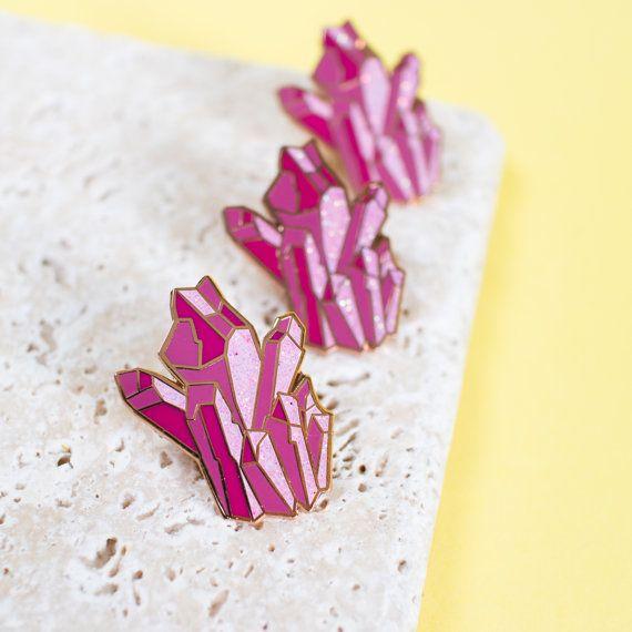 Rose cristal émail épinglette paillettes par finestimaginary