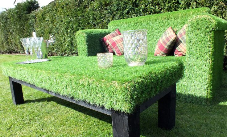 Perfect contemporary outside coffee table! Artificial grass coffee table