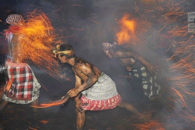 Bali Indonesia Holiday Travels: Siat Geni ( Fire War )