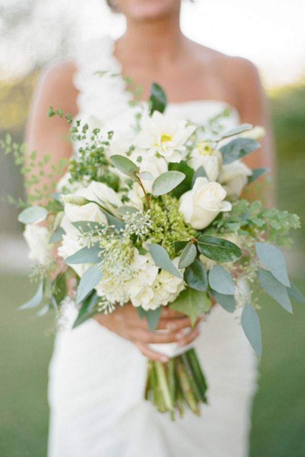 I love the greenery and soft colors. Maybe a bit too wild for the shape, but overall a great look
