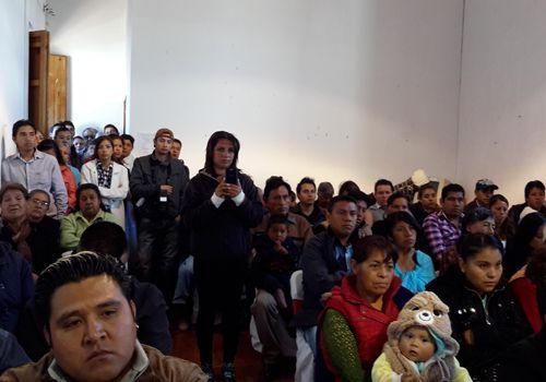 Se realizan 27 bodas gratuitas en Tetla    Ante la presencia del alcalde de Tetla de la Solidaridad, Javier Hernández Mejía, el tesorero municipal y el secretario del Ayuntamiento y la síndico, contrajeron nupcias 27 parejas de manera gratuita.