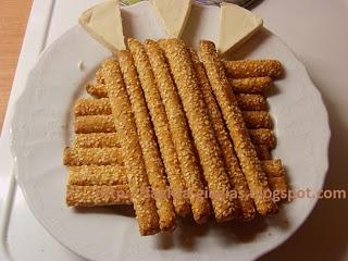 Τα φαγητά της γιαγιάς: Κριτσίνια με σουσάμι