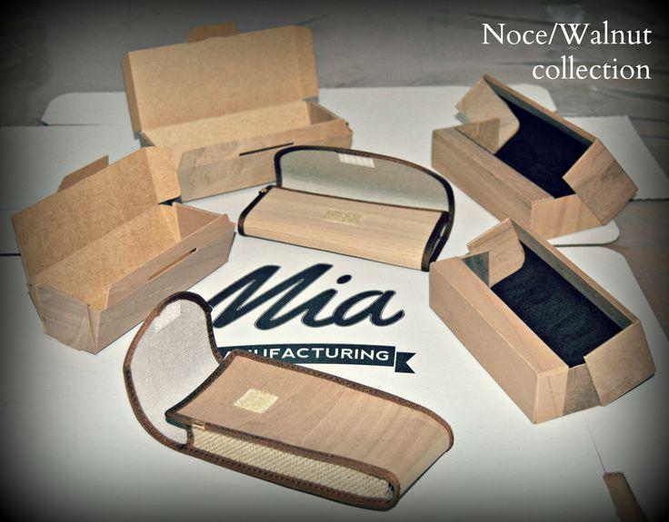 La collezione legno. Astucci e scatolette in noce  / The collection. Cases and boxes made with walnut