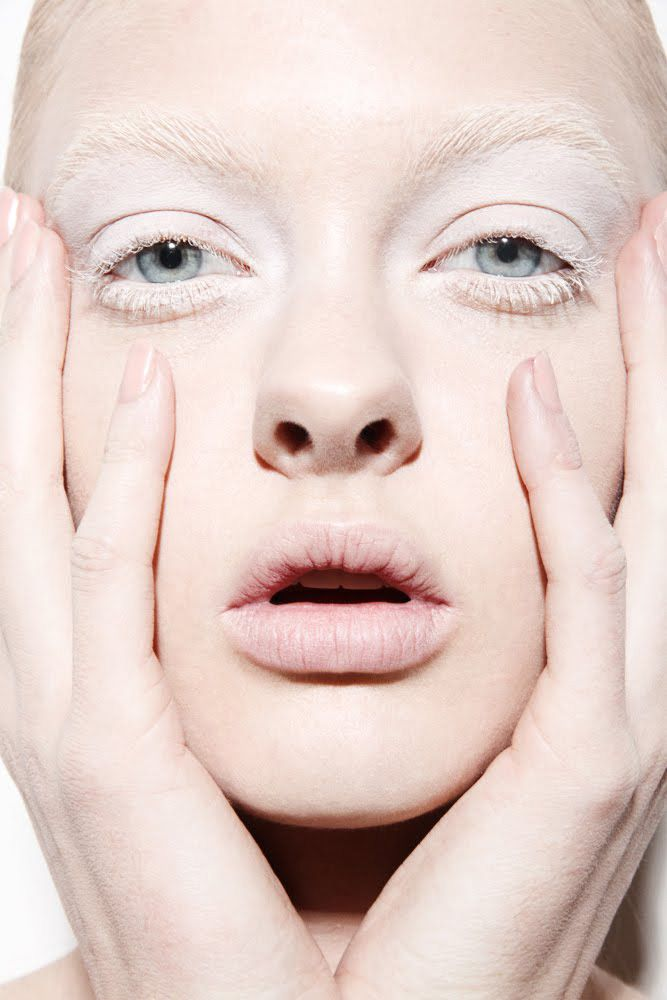 Ghost Lashes | Beauty. | White eyelashes, Pale makeup ...
