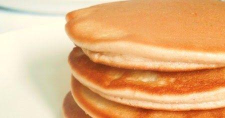 """Credo non esista nessuno a cui possano non piacere i pancakes, e lo credo non solo perchè possono essere """"personalizzati"""" con qualsiasi var..."""