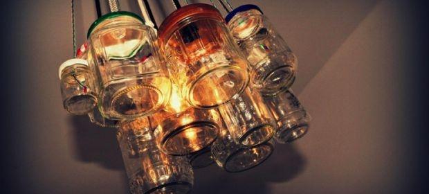 Glass jar chandelier. Zelf een kroonluchter van glazen potjes maken!
