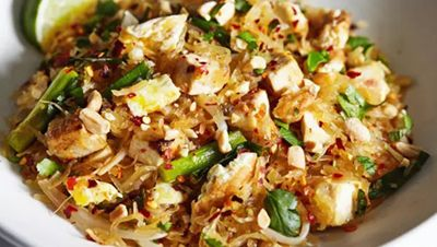 Delicious and Healthy Pad Thai recipe! 21 day fix approved! 2 green, 1/2 yellow, 1/2 red, 1 1/2 tsp.