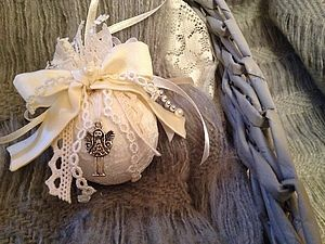 Кружевной шарик на елку в винтажном стиле   Ярмарка Мастеров - ручная работа, handmade