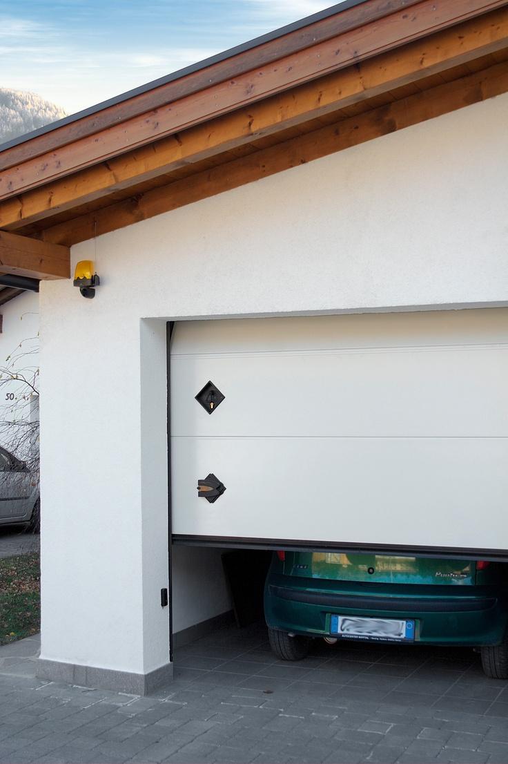 Portone sezionale PERSUS by Breda e FIAT Punto - Sectional Garage Door PERSUS by Breda & FIAT Punto   #BredaLoveCars #portoni #sezionali #garage #doors #breda #fiat