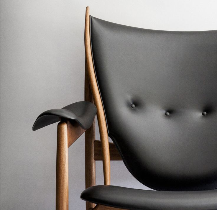 Chieftains Chair by Finn Juhl / One Collection. Sorensen Leather: Elegance / Black. Photo: Jonas Bjerre-Poulsen #finnjuhl www.onecollection.com www.normcph.com www.sorensenleather.com