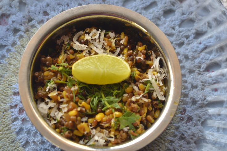 Brahmini Style Matki chi Usal (Traditionally prepared Sprouted Moth beans) : http://secretindianrecipe.com/recipe/brahmini-style-matki-chi-usal-traditionally-prepared-sprouted-moth-beans