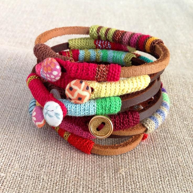 Pulseras de cuero y ganchillo - leather and crochet bracelet. http://www.etsy.com/listing/100517096/leather-and-crochet-bracelet