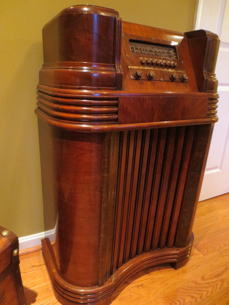 1941 Philco Walnut Radio Console After Restoration